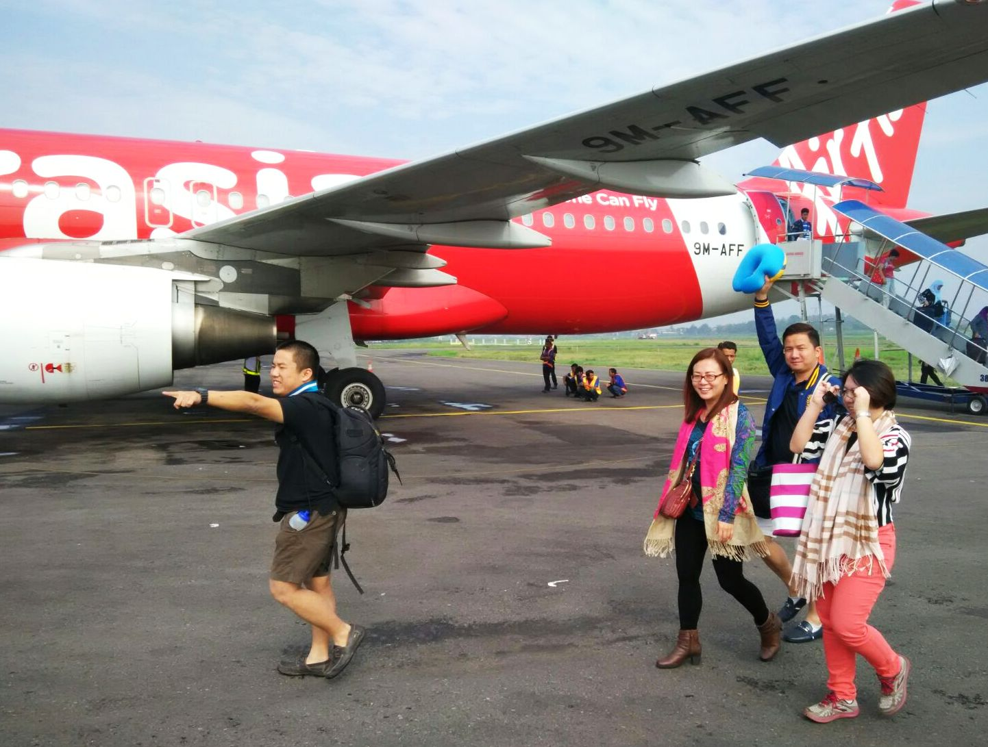 Airasia, touch down