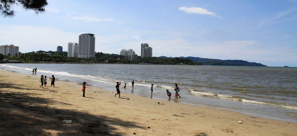 Likas Bay, Seaside