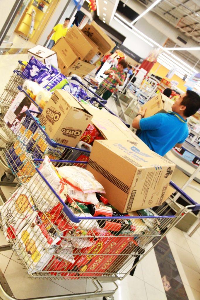 Tesco Shopping Centre, trolleys