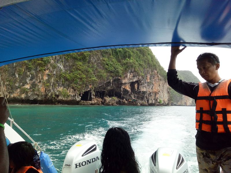 Phi Phi Island hoping