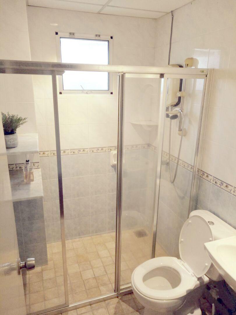 Bathroom for Room 2