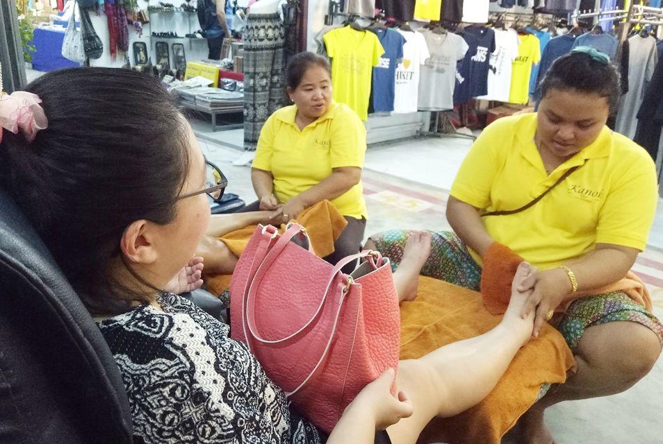 Street Foot Massage at Kanok.